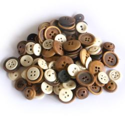 Assortiment boutons en os, teintés, anciens, 100 pcs
