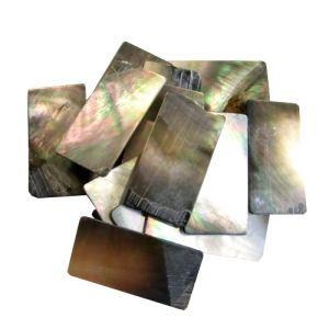 Nacre noire de Tahiti en 1 mm au poids plaques standard, 50 gr (~150 cm2)