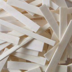 Assortiment de 30 chevalets en os, second choix, toutes tailles